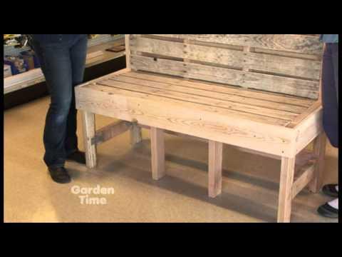 Salon de jardin en bois de palette r aliser un banc - Faire un banc avec des palettes ...