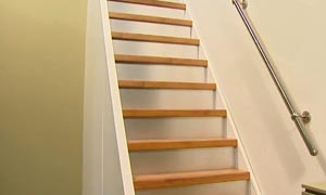M thode bluffante pour restaurer un escalier en bois for Monter un escalier escamotable