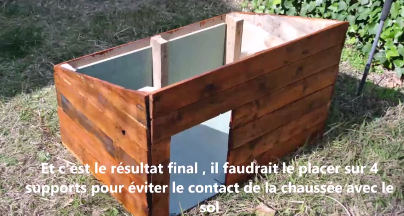 R cup ration de palette fabriquer une niche pour le - Faire une cabane avec des palettes ...